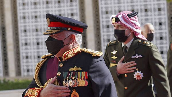 In this photo released by the Royal Hashemite Court, Jordan's King Abdullah II arrives for the inauguration of the 19th Parliament's non-ordinary session to  deliver a speech from the throne, in Amman Jordan, Thursday, Dec. 10, 2020.  - Sputnik Italia