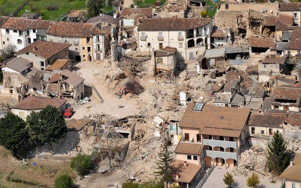 A 12 anni da quell'evento, l'80% dell'edilizia privata è stata ricostruita e il 60% di quella pubblica è di nuovo in piedi - Sputnik Italia