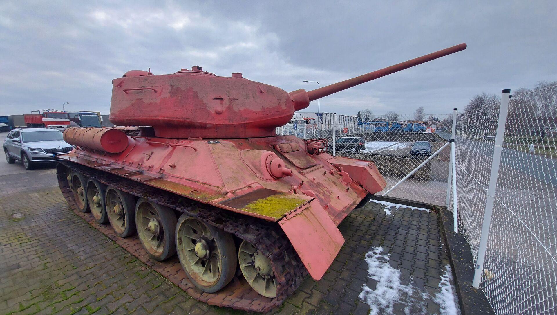 Il carro armato rosa in Repubblica Ceca  - Sputnik Italia, 1920, 07.04.2021