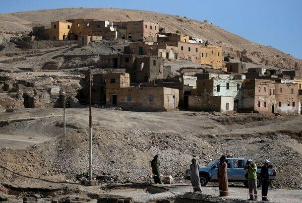 Gli scavi vicino a Città d'oro perduta'' vicino a Luxor nell'Alto Egitto - Sputnik Italia