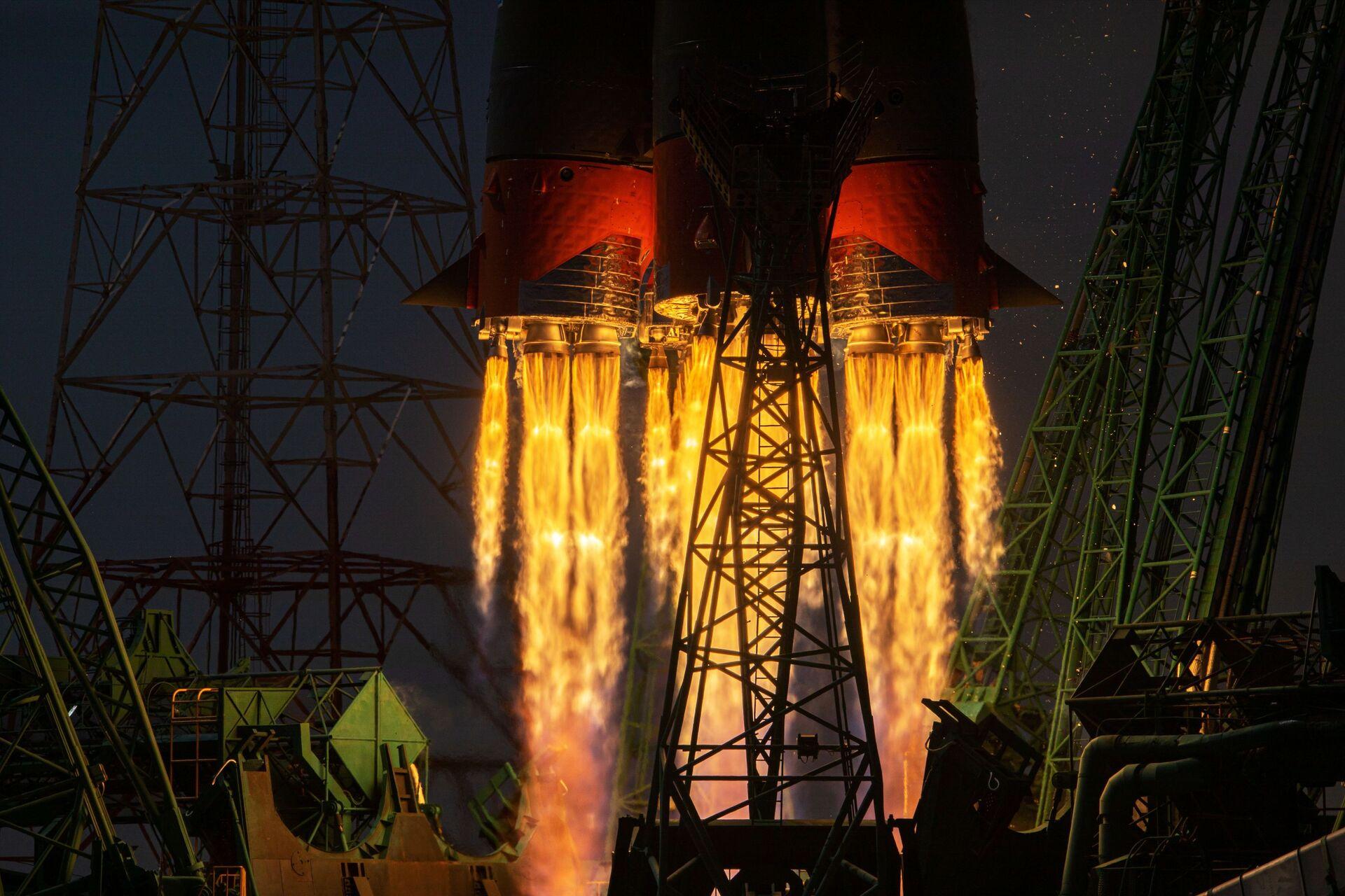 Lancio del razzo Soyuz-2.1 A con la nave spaziale Soyuz MS-18 dal cosmodromo di Baikonur - Sputnik Italia, 1920, 18.05.2021