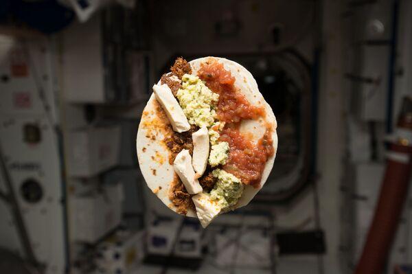 La colazione dell'astronauta americano Timothy Kopra sulla ISS - Sputnik Italia