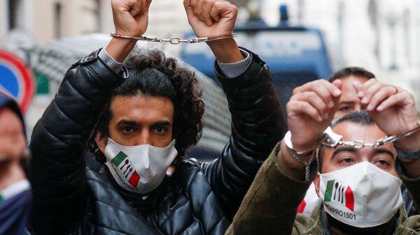IoApro, la manifestazione non autorizzata a Roma - Sputnik Italia
