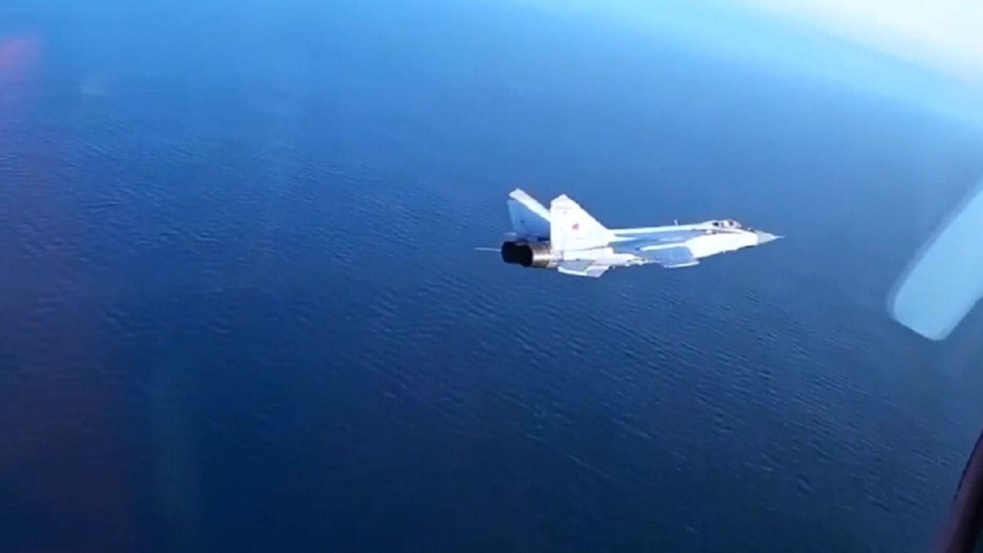 Le manovre di elusione dei caccia russi MiG-31BM  - Sputnik Italia, 1920, 27.07.2021