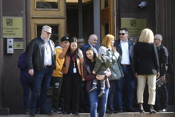 La portavoce del ministero degli Esteri russo Maria Zakharova, commentando l'espulsione di 18 diplomatici russi, aveva affermato che la Russia avrebbe annunciato presto misure di ritorsione per l'espulsione dei diplomatici d'istanza in Repubblica Ceca - Sputnik Italia