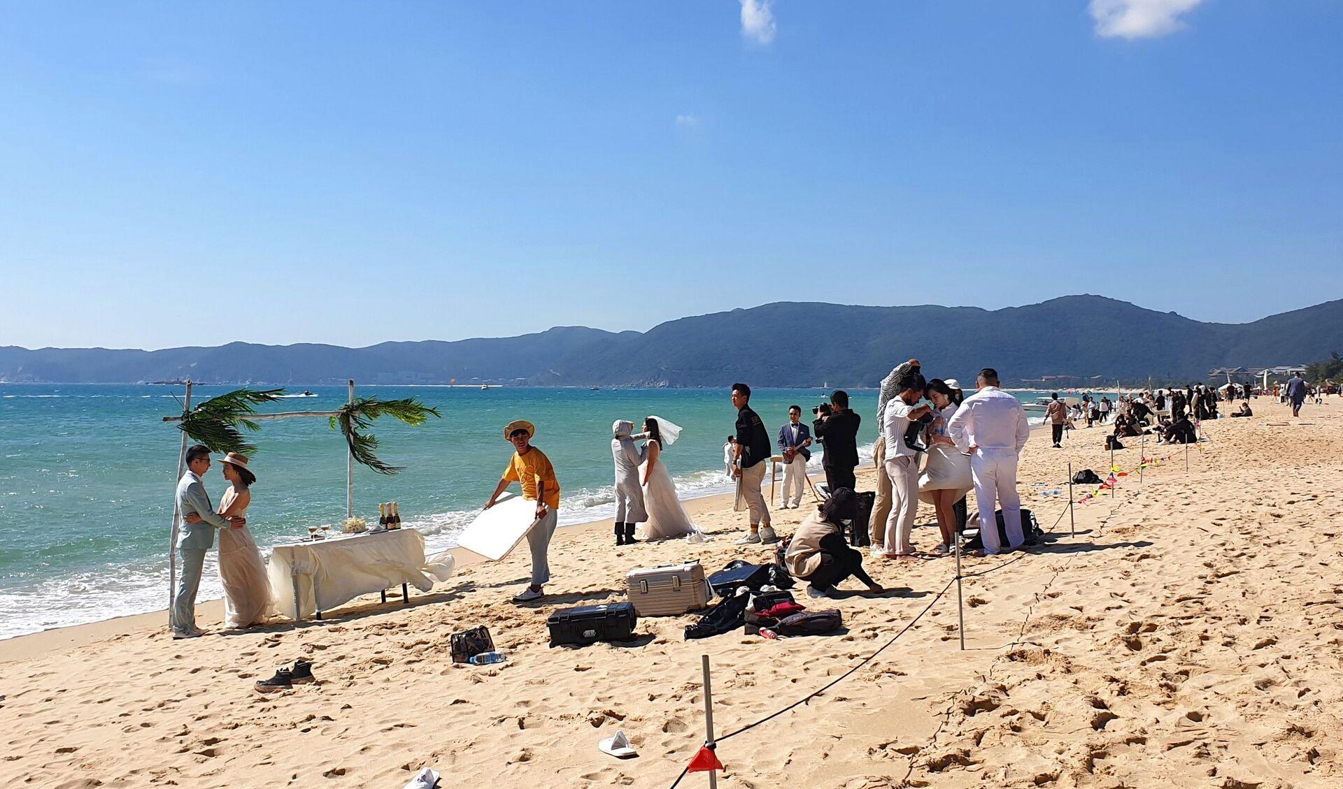 Matrimonio in spiaggia su un'isola cinese - Sputnik Italia, 1920, 18.05.2021