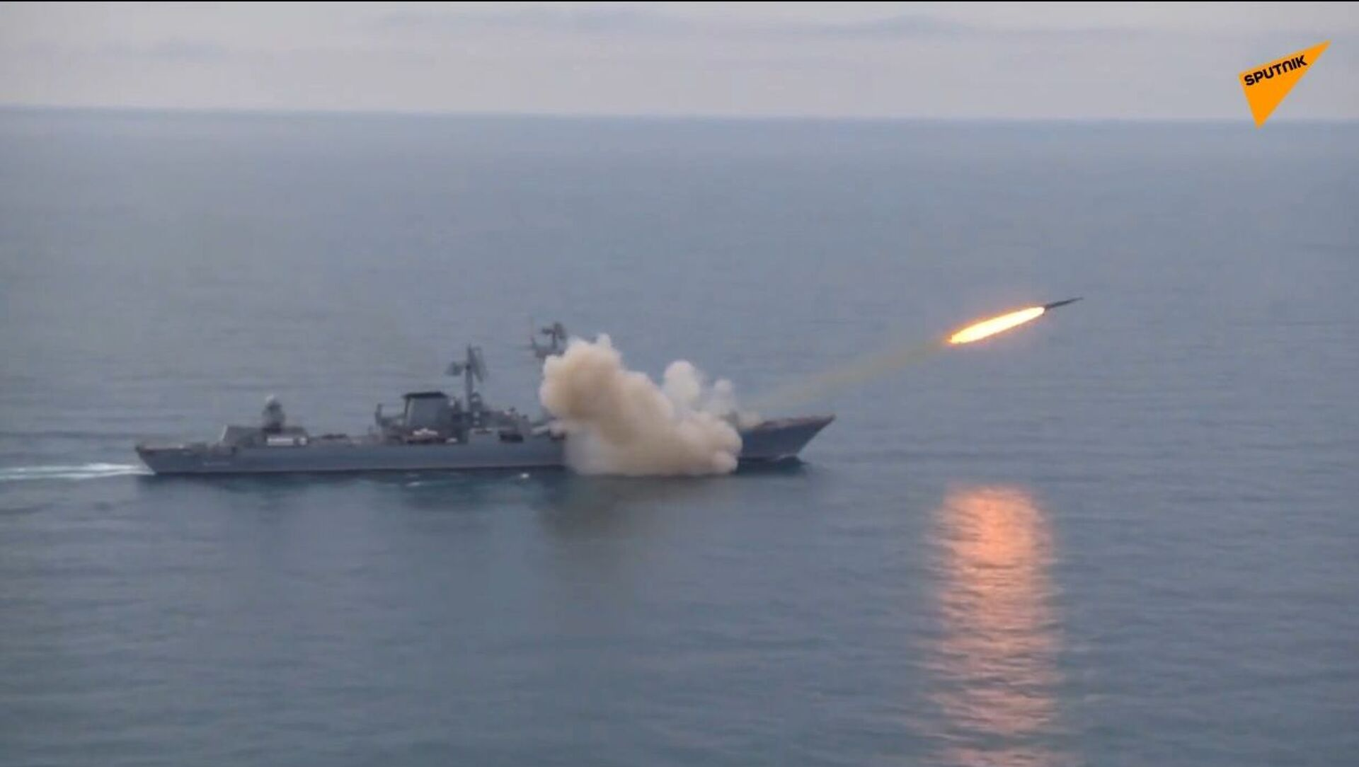 Incrociatore russo testa missile Vulkan nel Mar Nero - Sputnik Italia, 1920, 30.04.2021