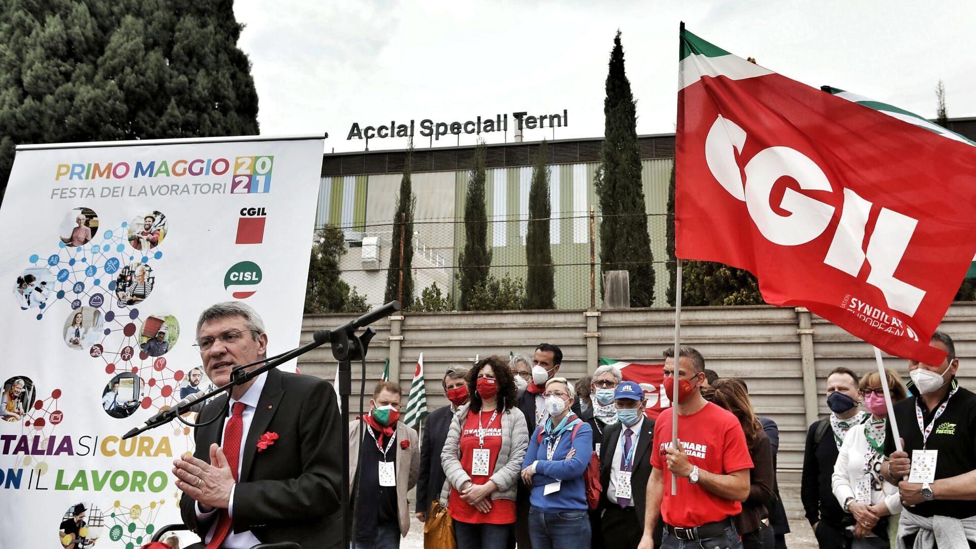 Maurizio Landini alla manifestazione del 1 maggio a Terni - Sputnik Italia, 1920, 02.08.2021