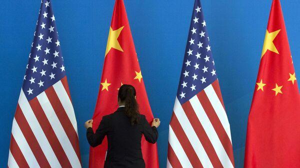 Bandiera USA e Cina - Sputnik Italia