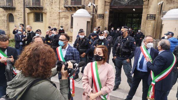 Sindaci al presidio dei lavoratori Blutec di Termini Imerese davanti al palazzo della Regione a Palermo - Sputnik Italia