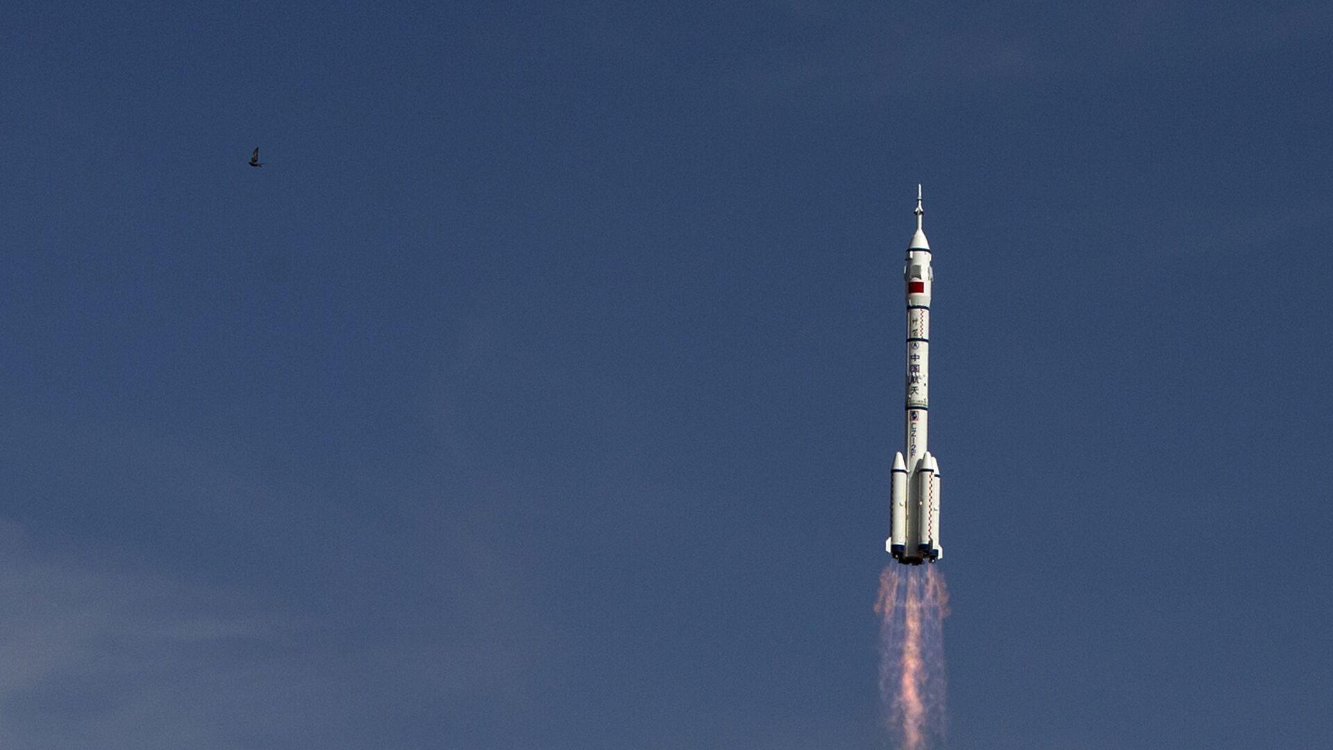 Старт ракеты-носителя Чанчжэн-2F c космодрома Цзюцюань, КНР. Архивное фото - Sputnik Italia, 1920, 05.05.2021