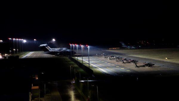 L'arrivo delle truppe aviotrasportate americane in Estonia per partecipare alle esercitazioni Swift Response - Sputnik Italia