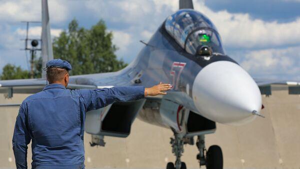 Un caccia russo S-30 - Sputnik Italia