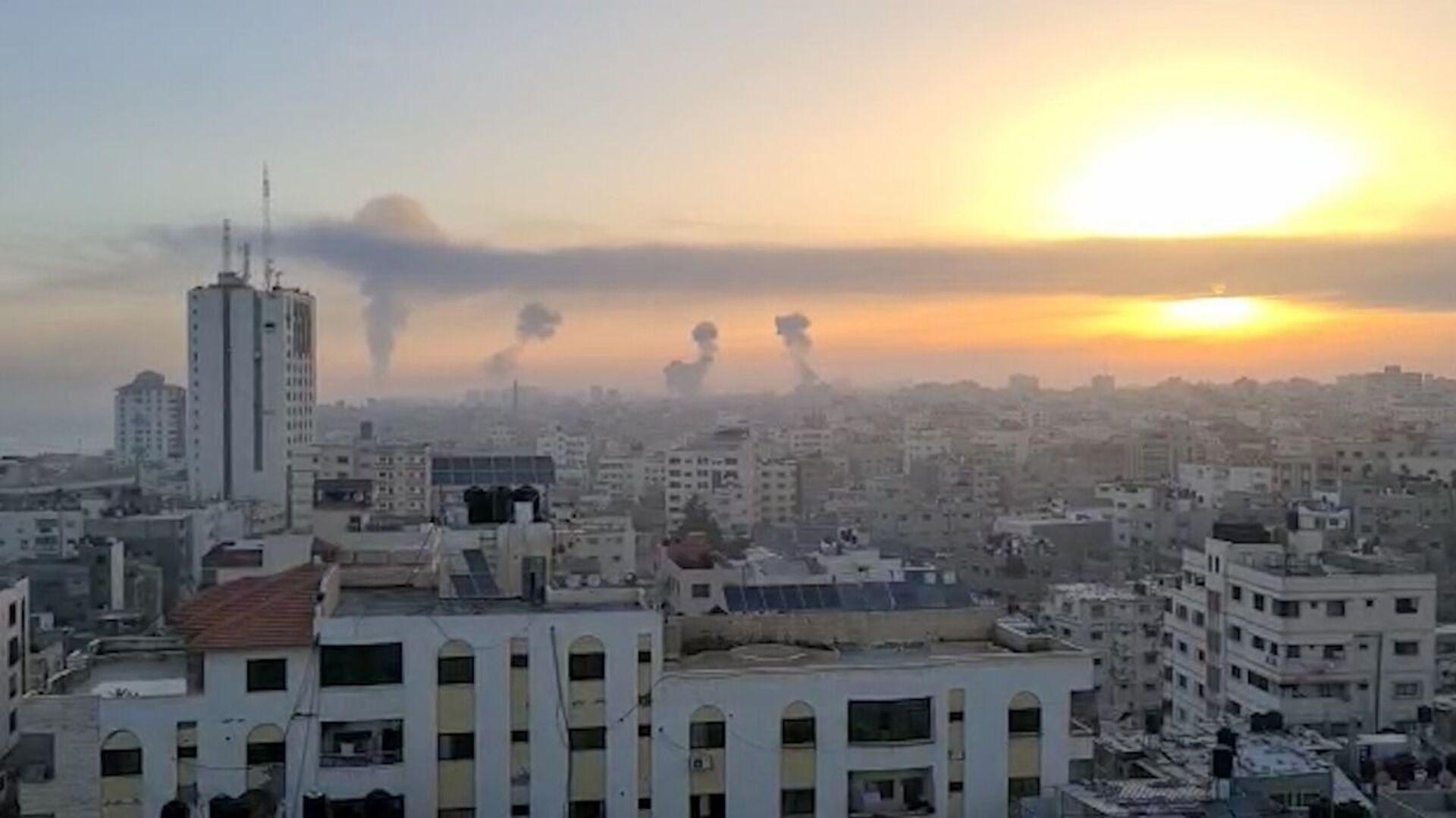 I militanti nella Striscia di Gaza hanno lanciato oltre 600 razzi contro Israele, di cui 200 sono stati intercettati dal sistema di difesa missilistico israeliano Iron Dome - Sputnik Italia, 1920, 20.05.2021