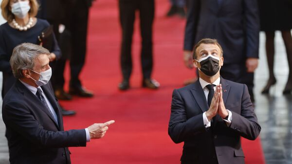 президент Европейского парламента Давид Сассоли и президент Франции Эммануэль Макронприбывают в Европейский парламент в Страсбурге, Франция - Sputnik Italia