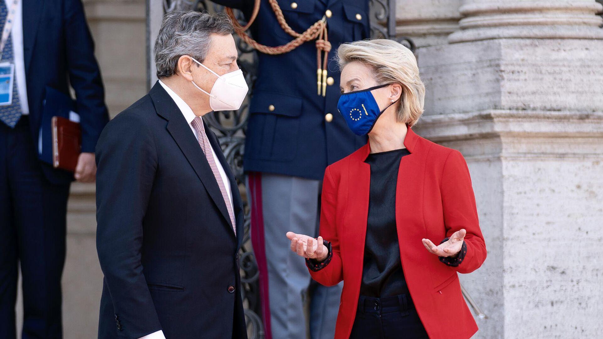Il Presidente del Consiglio, Mario Draghi, accoglie a Villa Pamphilj la Presidente della Commissione Europea Ursula von der Leyen in occasione del Global Health Summit. 21 May 2021, Rome  - Sputnik Italia, 1920, 22.05.2021