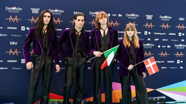 Итальянская рок-группа Maneskin на бирюзовой дорожке конкурса Евровидение в Роттердаме - Sputnik Italia