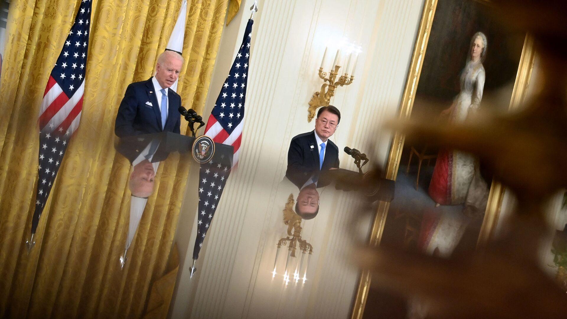 Joe Biden e Moon Jae- in - Sputnik Italia, 1920, 22.05.2021