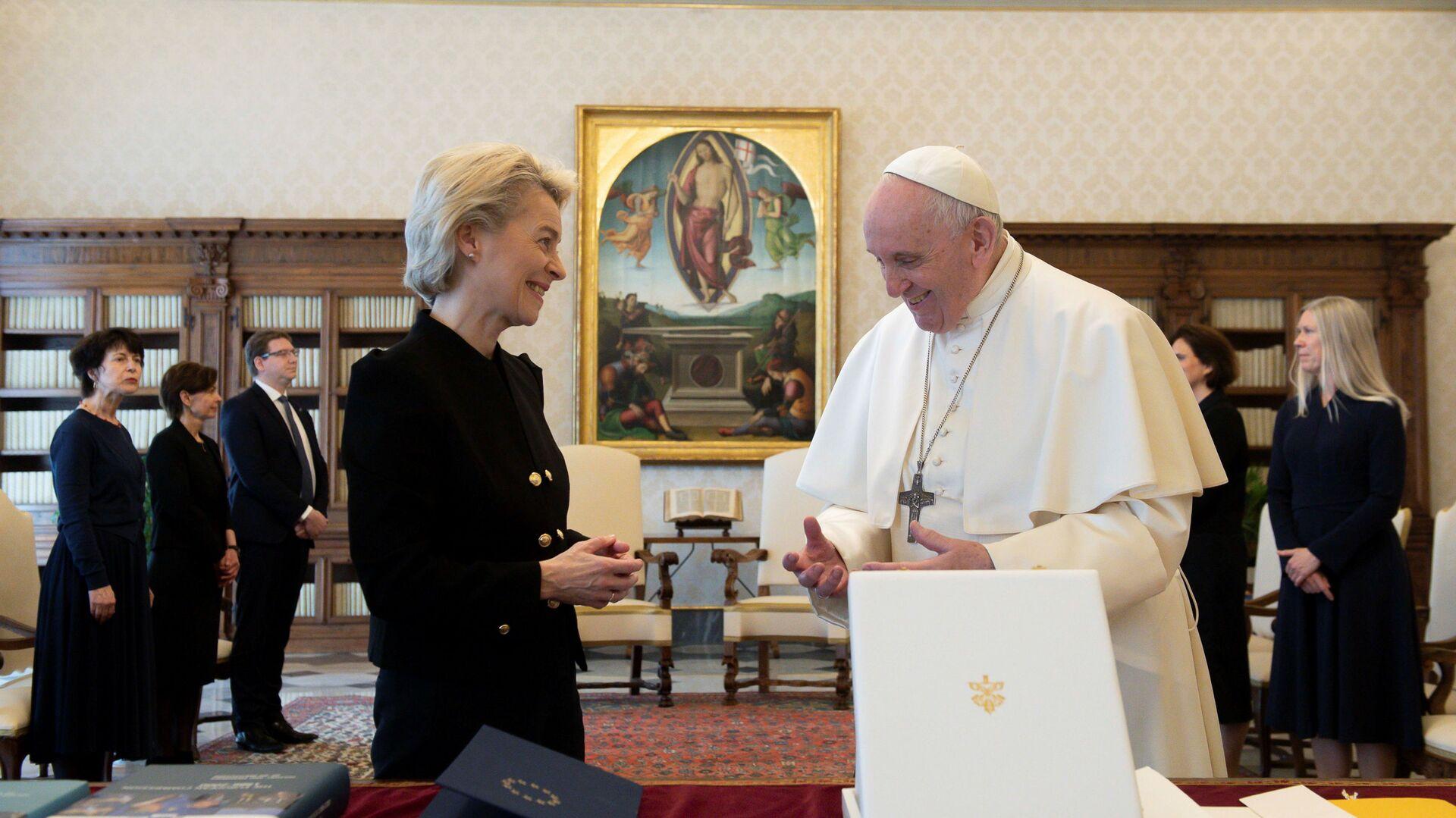 L'incontro tra papa Francesco e Ursula von der Leyen, il 22 maggio del 2021 - Sputnik Italia, 1920, 22.05.2021