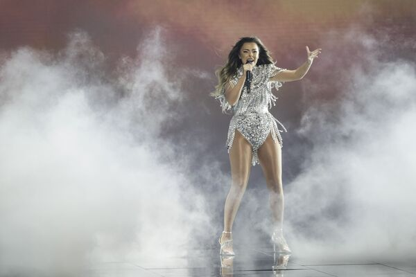 """Anxhela Peristeri, la cantante albanese, presenta la sua canzone """"Karma"""" durante la finale della 65a edizione dell'Eurovision Song Contest 2021, all'Ahoy Arena di Rotterdam, 22 maggio 2021 - Sputnik Italia"""