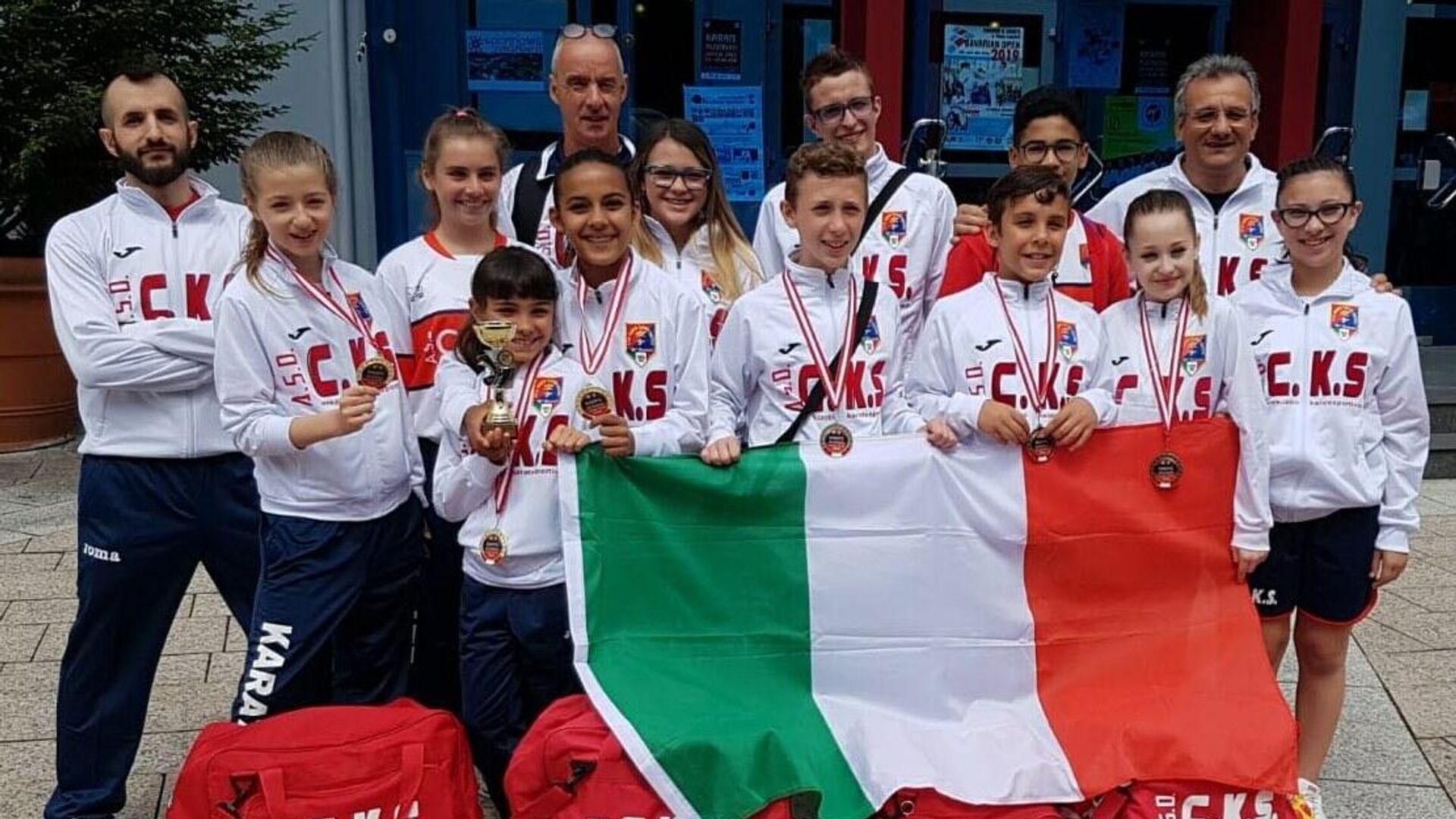 Ugo Ferrari e i suoi atleti alle competizioni internazionali - Sputnik Italia, 1920, 24.05.2021