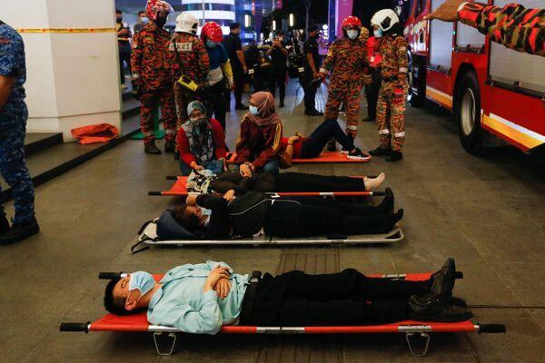Il ministro dei trasporti malese, Wee Ka Siong, ha affermato che la collisione è stata il primo grave incidente in 23 anni di funzionamento del sistema metropolitano e ha promesso un'indagine approfondita. - Sputnik Italia