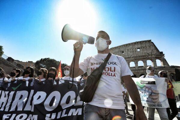 I lavoratori dicono no allo stop del blocco licenziamenti e convocano un presidio a Roma per protestare contro il dietrofront del ministro Orlando. - Sputnik Italia