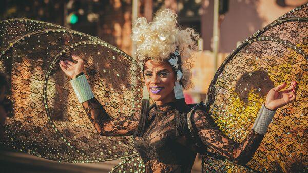 Una drag queen - Sputnik Italia
