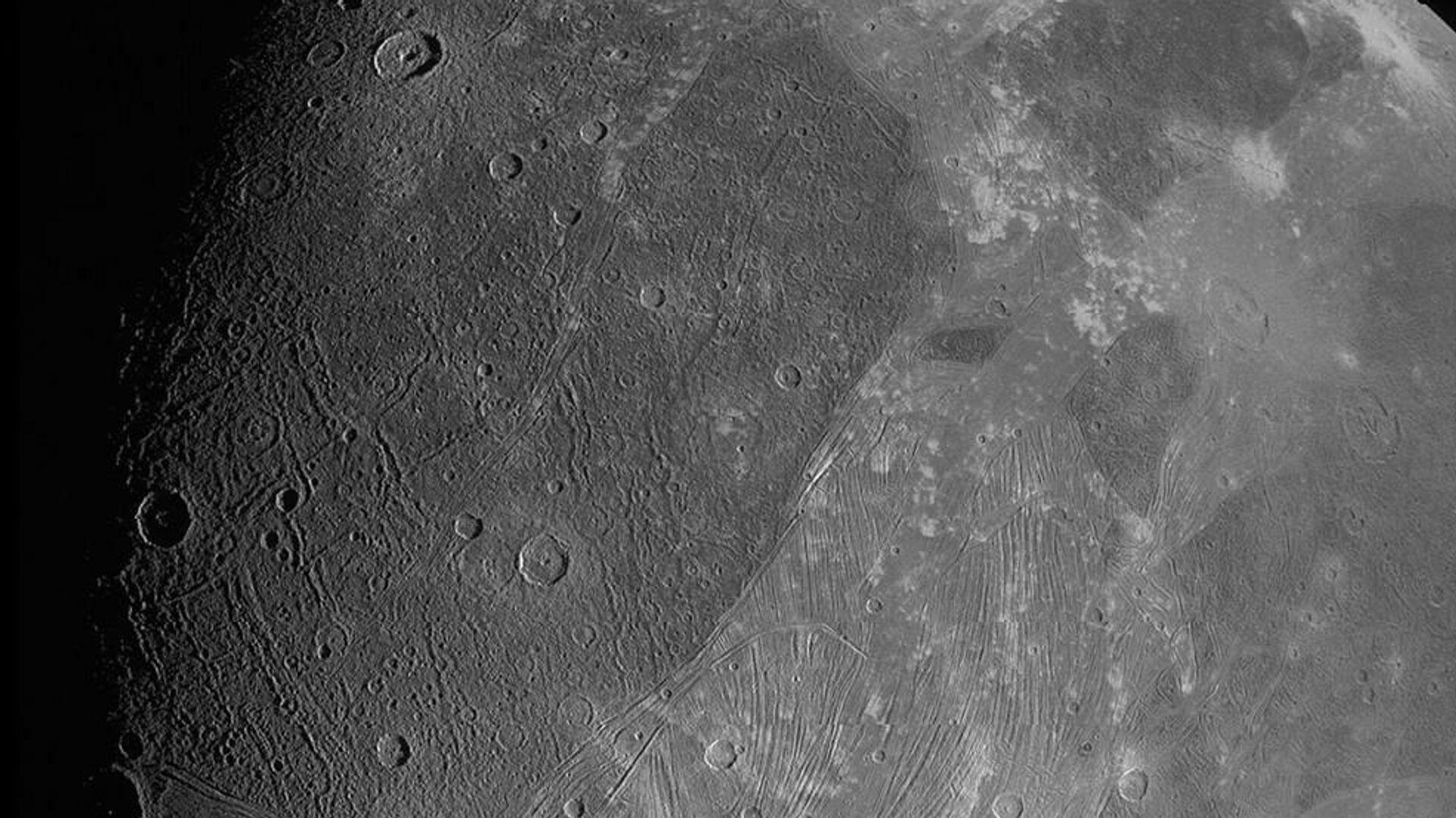 Juno fotografa Ganimede - Sputnik Italia, 1920, 27.07.2021