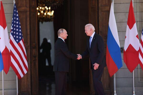 Il primo introntro tra i due leader. - Sputnik Italia