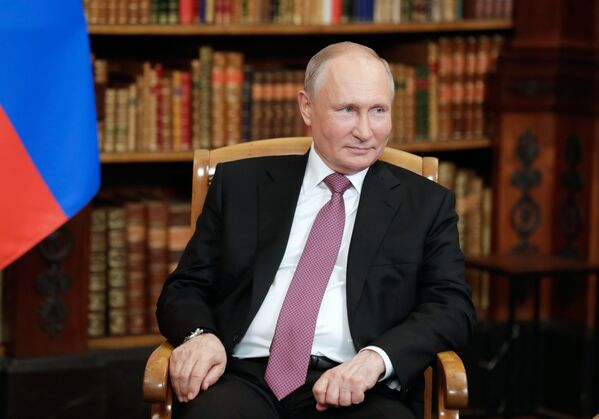 Vladimir Putin durante l'incontro con il suo omologo americano. - Sputnik Italia