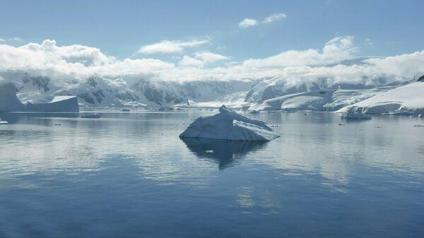 Айсберг в Южном океане - Sputnik Italia