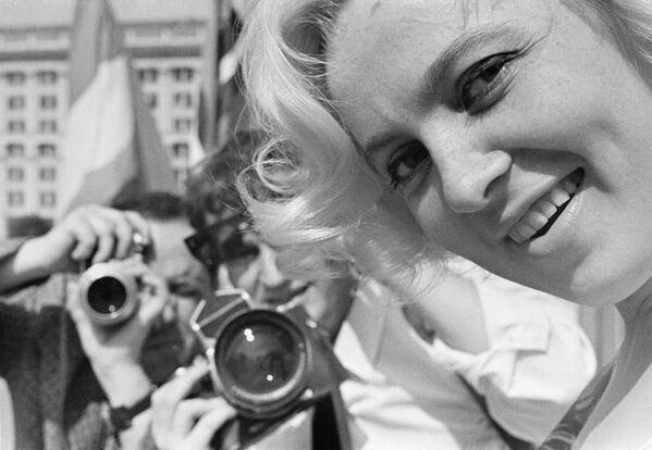 L'attrice lettone di teatro e cinema Vija Artmane, riconosciuta come Artista popolare dell'URSS. - Sputnik Italia