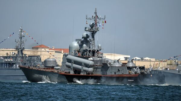 Ракетный катер Р-334 Ивановец Черноморского ВМФ России - Sputnik Italia