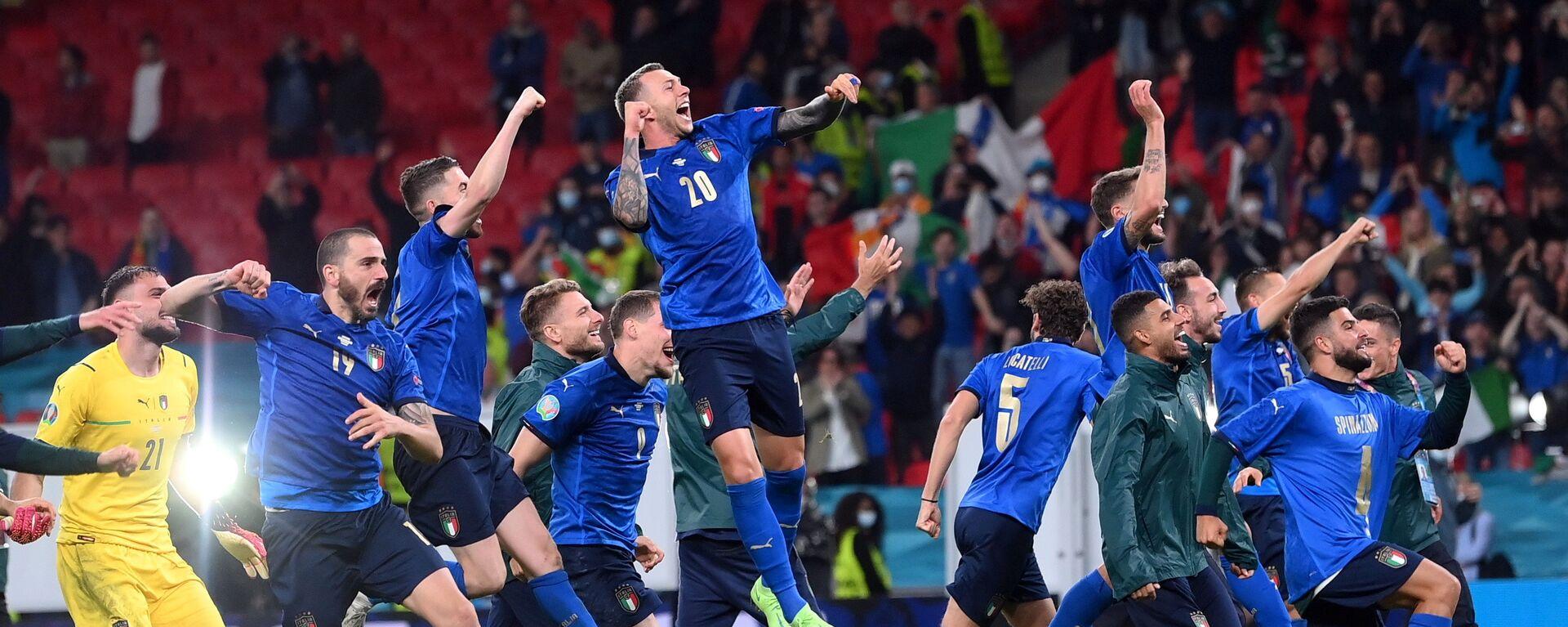 Nazionale Italiana dopo la vittoria contro la Spagna, Euro 2020 - Sputnik Italia, 1920, 15.07.2021