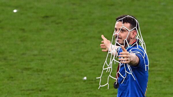Игрок сборной Италии Алессандро Флоренци после победы команды на Евро-2020 - Sputnik Italia