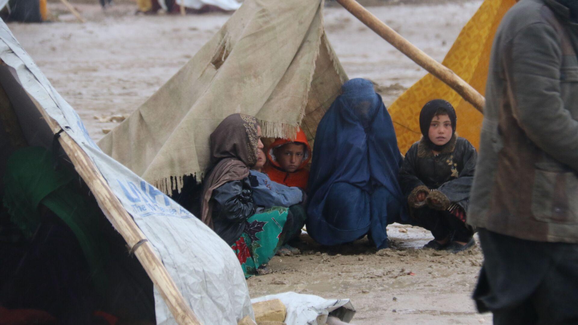 Rifugiati afghani a Mazar-i Sharif - Sputnik Italia, 1920, 30.08.2021