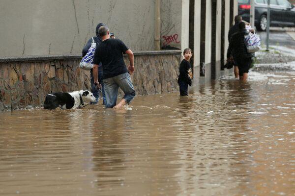 L'incidente è stato causato da una massiccia alluvione che durante la notte ha distrutto 6 case e ne ha danneggiate altre 25 nel comune di Schuld, non lontano da Düsseldorf, in Renania-Palatinato. - Sputnik Italia