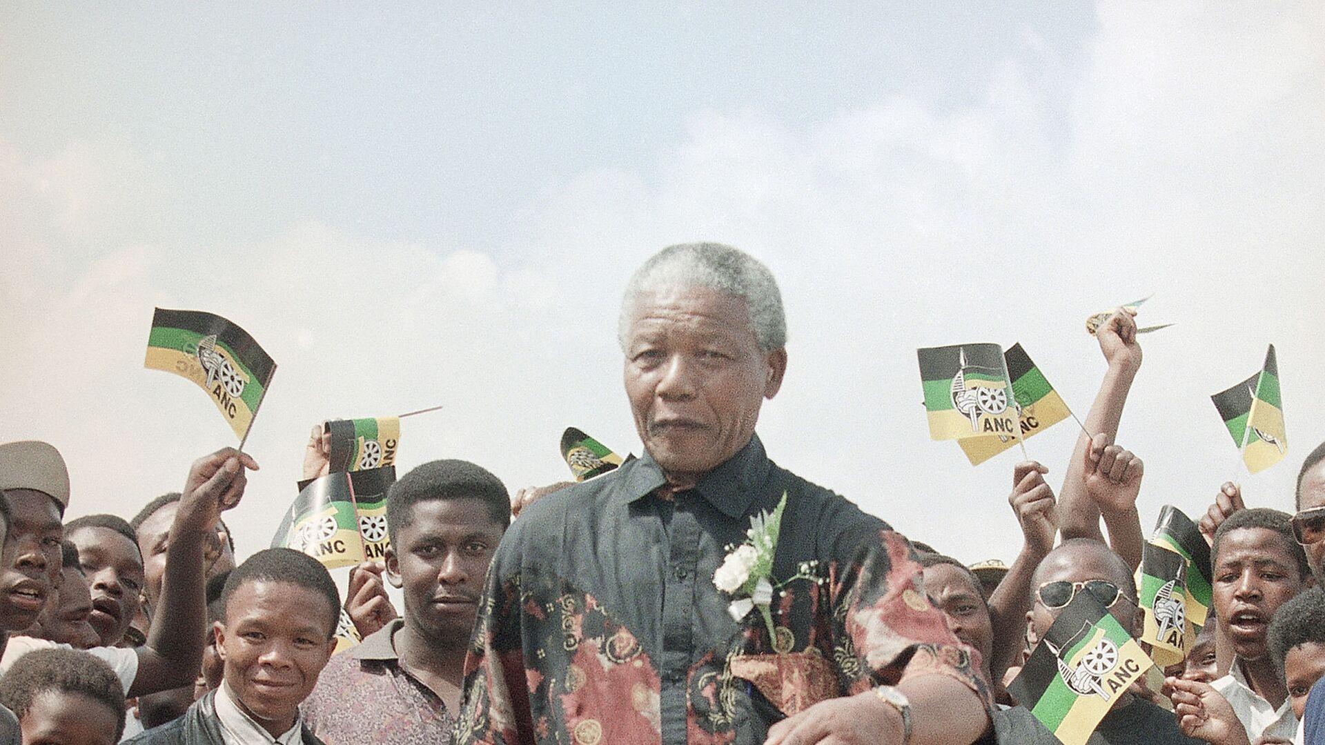 Nelson Mandela - Sputnik Italia, 1920, 18.07.2021