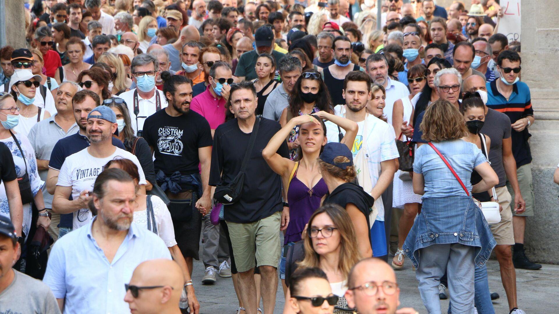 Manifestazione No green pass a Milano - Sputnik Italia, 1920, 27.07.2021