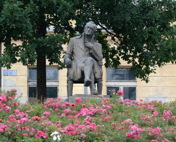 Il monumento a Goethe nella città di Mariánské Lázně. - Sputnik Italia