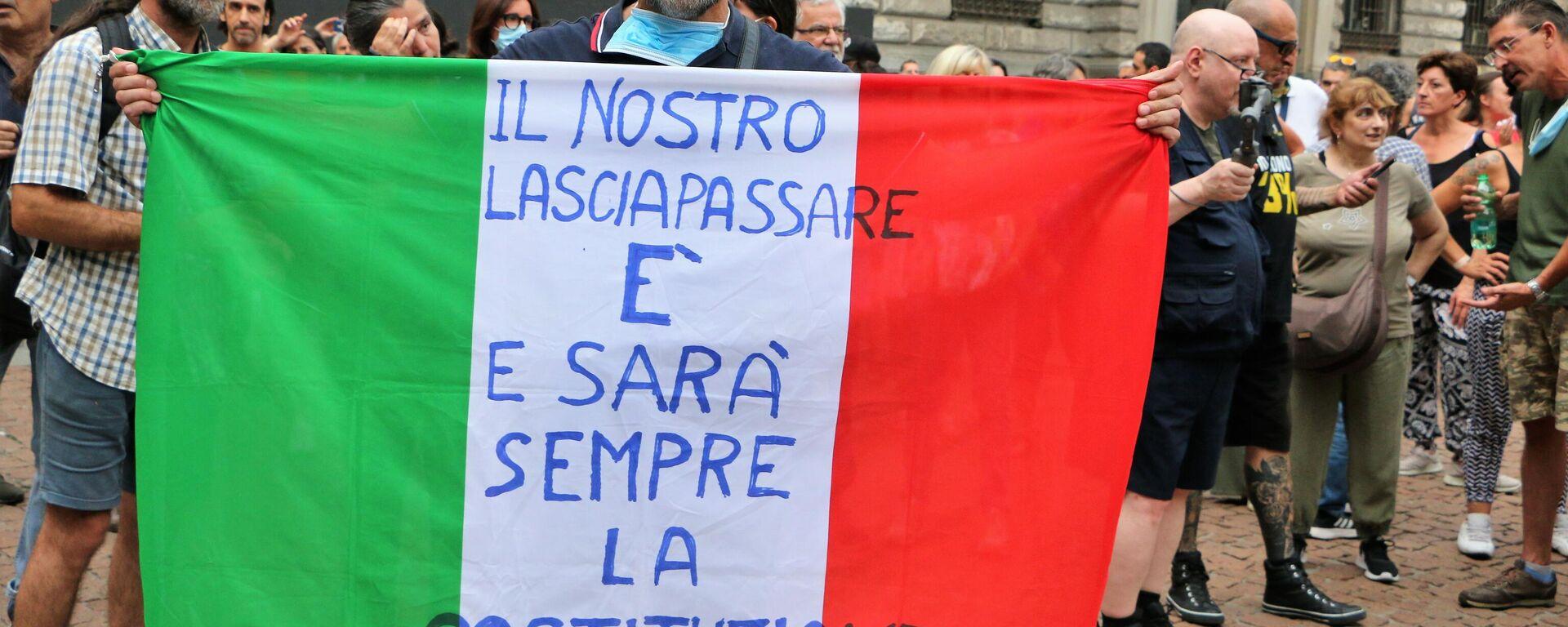 Manifestazione No Green Pass, Milano 31.07 - Sputnik Italia, 1920, 25.09.2021