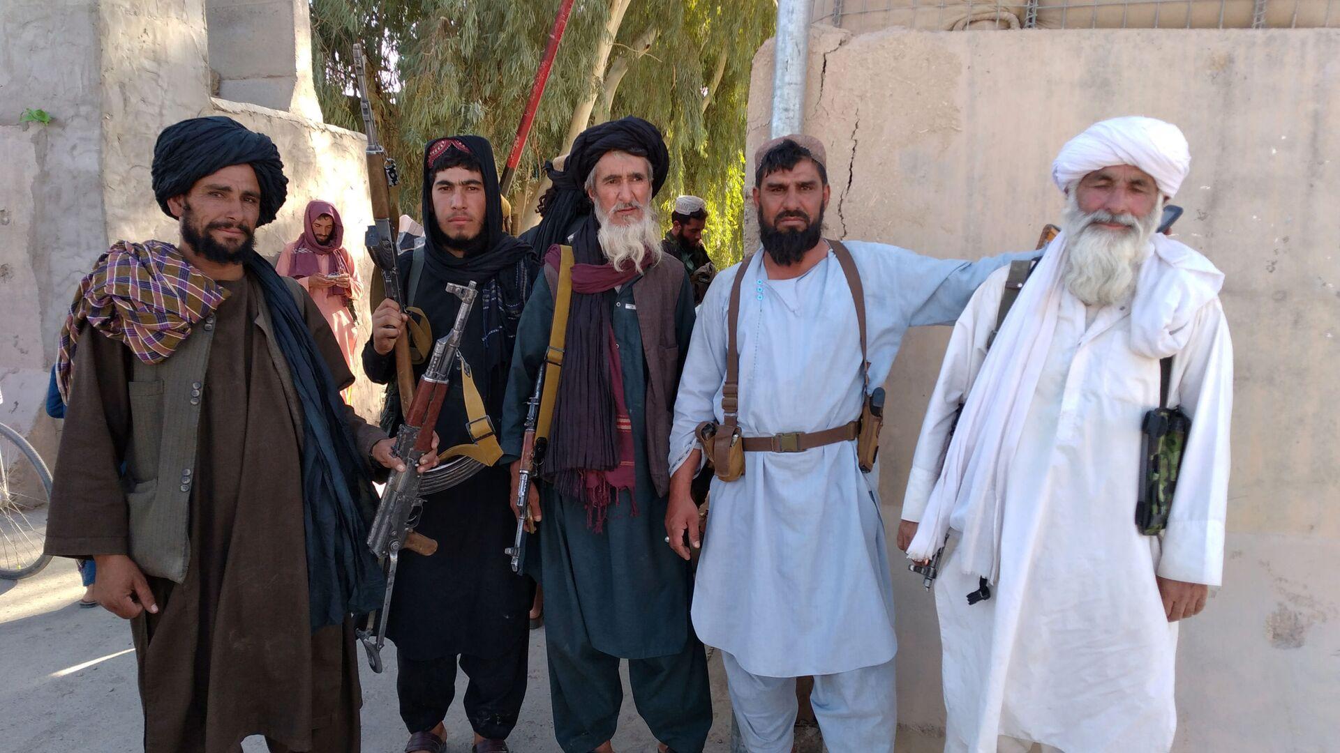I talebani (organizzazione terroristica vietata in Russia) nella città di Farah - Sputnik Italia, 1920, 15.08.2021