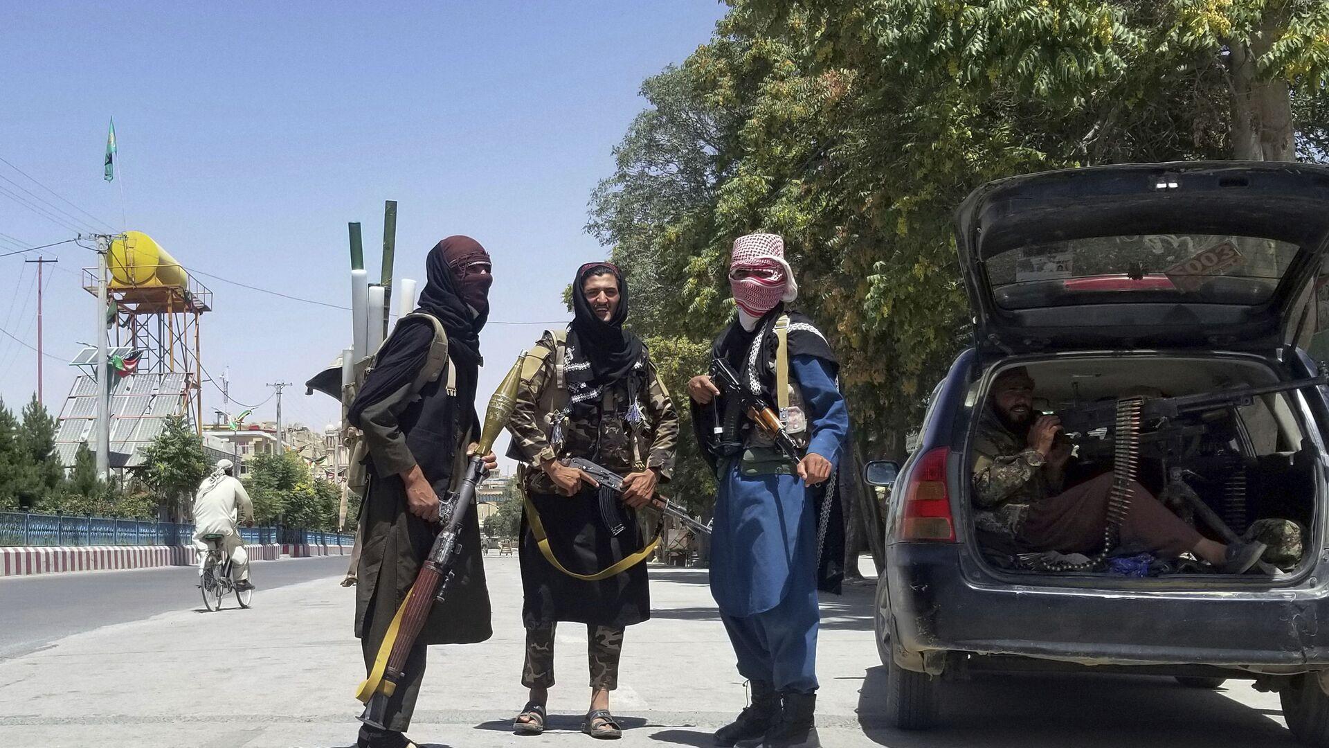 I talebani (organizzazione terroristica vietata in Russia) nella città di Ghazni - Sputnik Italia, 1920, 23.08.2021