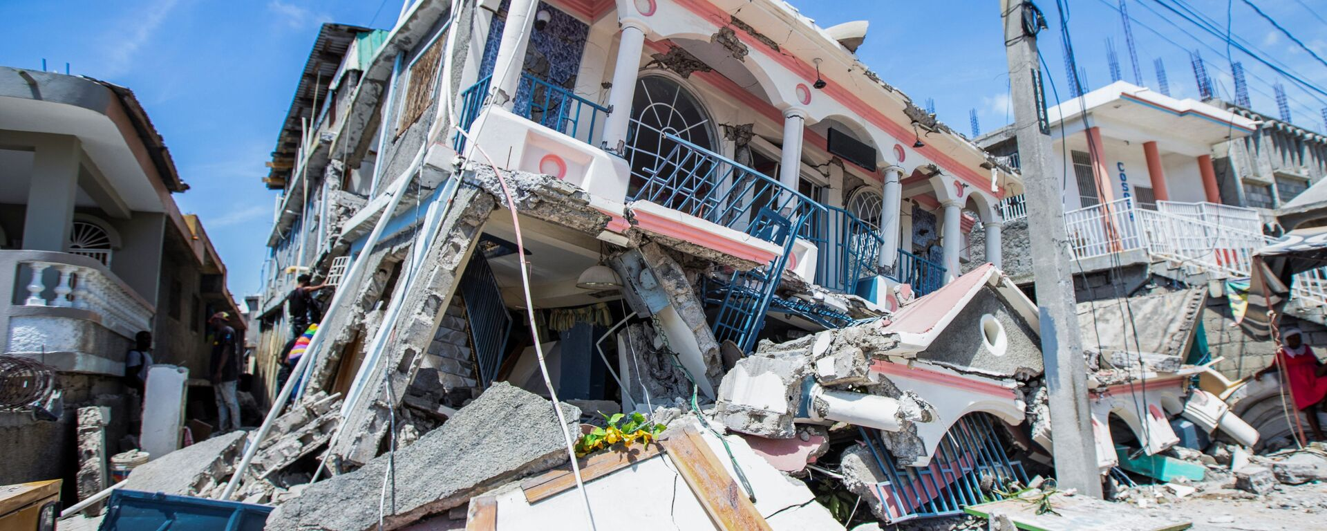 Последствия мощного землетрясения на Гаити  - Sputnik Italia, 1920, 15.08.2021