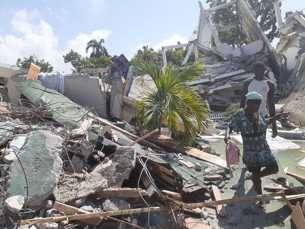 Il primo ministro haitiano Ariel Henry ha dichiarato lo stato di emergenza di un mese per l'intero Paese e ha detto che non chiederà aiuto internazionale fino a quando non sarà nota l'entità dei danni. - Sputnik Italia
