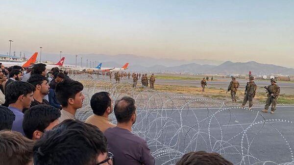 Американские солдаты в аэропорту Кабула  - Sputnik Italia