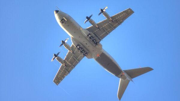 Un avión de transporte militar Airbus A400M (archivo) - Sputnik Italia