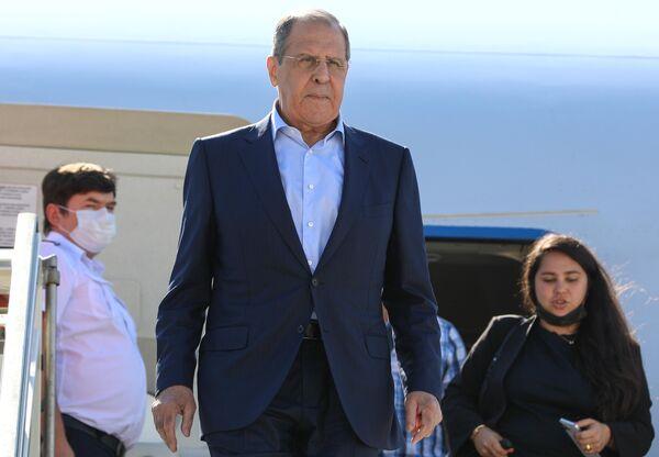 Il Ministro degli Affari Esteri della Federazione Russa Sergey Lavrov arriva a Roma in una visita ufficiale. - Sputnik Italia