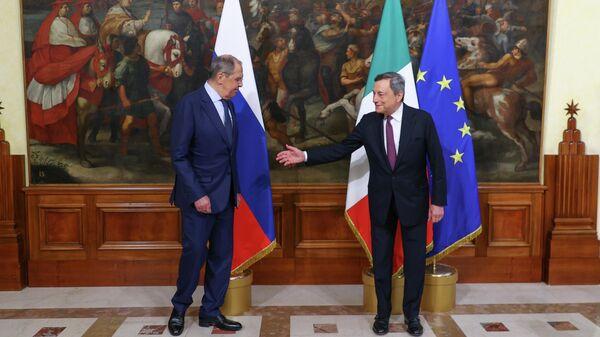 Il Presidente Mario Draghi ha incontrato il Ministro degli Affari Esteri della Federazione Russa, Sergey Lavrov, a Palazzo Chigi - Sputnik Italia